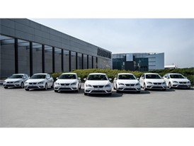This week SEAT delivered the first 100 units of the Leon and will complete the operation by the end of August