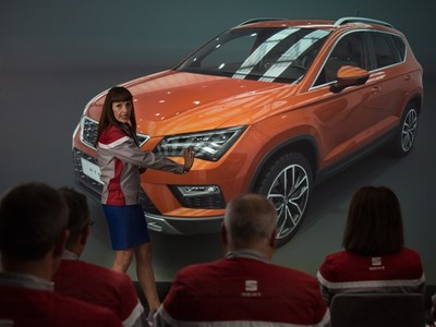 SEAT uses virtual reality to visualise and analyse the models before they go on the market