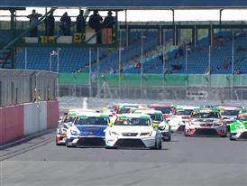 Jonathan Cocker takes maiden win in SEAT Leon Eurocup