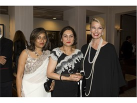 Choudhrie Anita (London) with Asha Khilnani am Kathy Dobers (Cartier) Credits Foto Flury