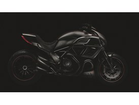 M42000CR_M42000CN_diavel_side_AMB1
