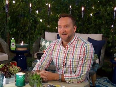 Clinton Kelly Reveals Tips for Creating the Perfect Intimate Outdoor Get Together
