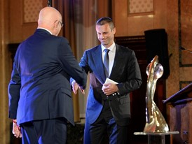 UEFA President Aleksander Čeferin, right, and KNVB President Michael van Praag