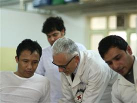 (B-roll) Rushes: Physical Rehabilitation Programme in Afghanistan