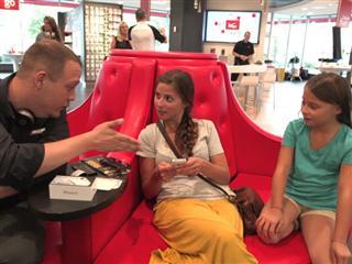 Verizon Retail Store B-roll