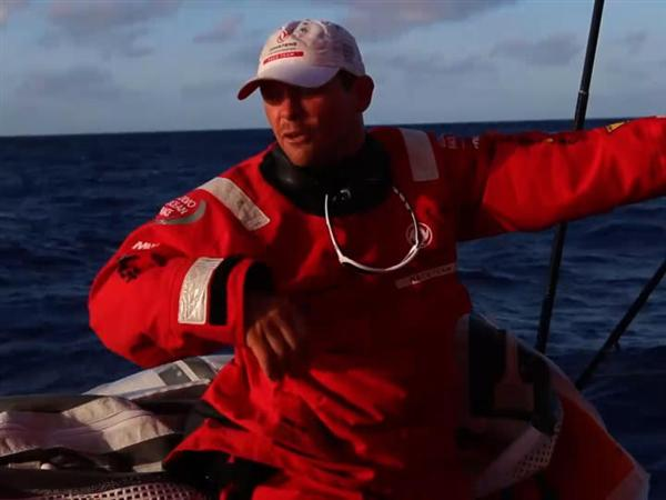 Mast track repair for Dongfeng and strong tropical depression