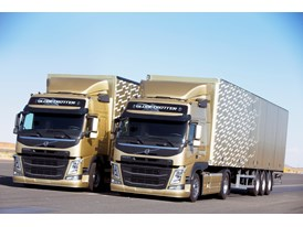 Both Volvo FMs must maintain the exact same speed and distance while driving in reverse – a feat only made possible by V