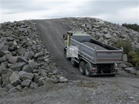 Volvo Trucks - New I-Shift with crawler gears can start from standstill with 325 tonnes
