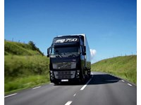 Volvo Trucks – I-See: Saves up to 5 percent fuel when driving in hills