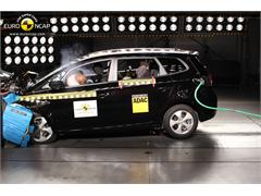 Kia Rondo leads the way for people mover safety