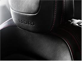 Kia pro ceed GT (interior head rest)