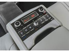 Kia K900 16