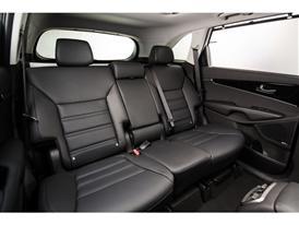 3rd Generation Kia Sorento Europe Spec (2nd Row Seats)