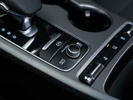 Kia Stinger GT Interior (6)_US Spec