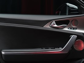 Kia Stinger GT Interior (5)_US Spec