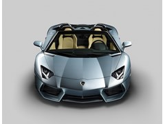 The ultimate open-air experience: Automobili Lamborghini presents the new Lamborghini Aventador LP 700-4 Roadster