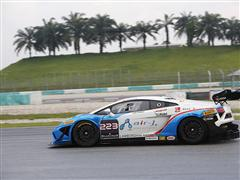 Alberto Viberti (Autocarrozzeria Imperiale) takes the pole position in the 2014 Lamborghini Blancpain Super Trofeo World Final in Sepang (MAL)