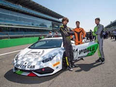 Collezione Automobili Lamborghini in collaboration with Centro Stile and OMP designs the new driver's overalls