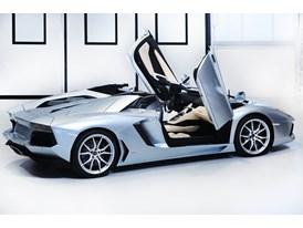 New Lamborghini Aventador LP 700-4 Roadster 17