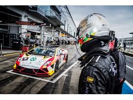 Pole-sitter Adrian Zaugg hands the #3 car over to team-mate Federico De Nora