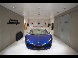 Lamborghini Aventador LP 700-4 Roadster AD Personam 2