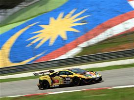 Lamborghini Gallardo LP 570-4 Super Trofeo reaches top speed in Sepang