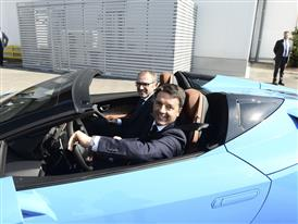 M. Renzi and S. Domenicali on a Huracán Spyder
