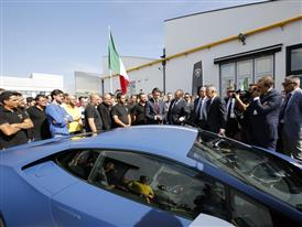 S. Domenicali presents M. Renzi the Huracán Avio