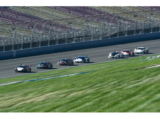 Lamborghini Super Trofeos race at Fontana
