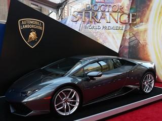 The Lamborghini Huracán on display (2)