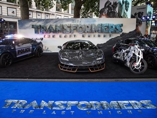 "Lamborghini Centenario in London auf der Premiere von ""Transformers: The Last Knight"""