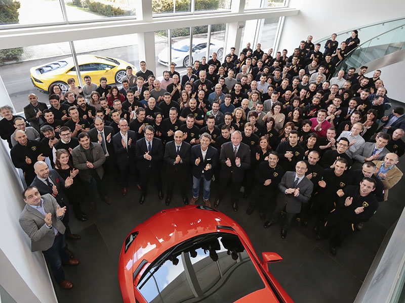 S. Winkelmann, the Board of Directors and the new Lamborghini employees hired in 2014