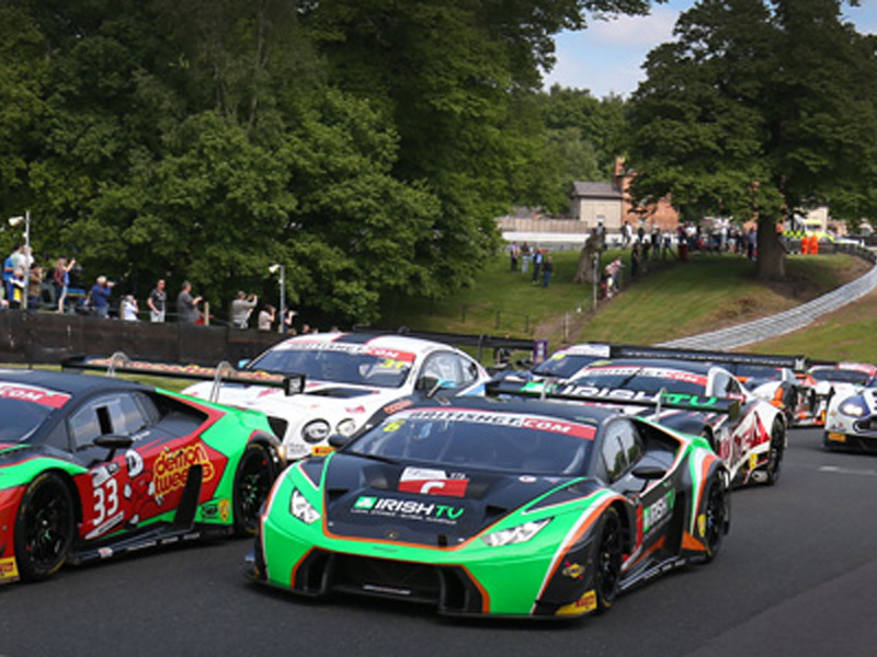 first victory for the lamborghini hurac n gt3 at british gt championship. Black Bedroom Furniture Sets. Home Design Ideas