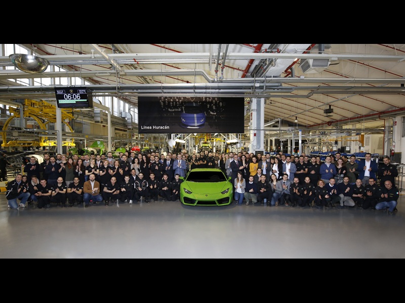 Image : Automobili Lamborghini new employees with S. Domenicali and the Management Board
