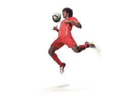 Dante wears the new colourway of the PUMA King FG boot