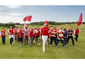 Ian Poulter Gets Support From Arsenal Fans Before British Open_3