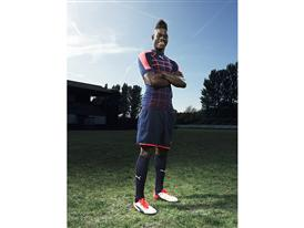 Mario Balotelli wears the new PUMA evoPOWER 1.2 Football Boot 3