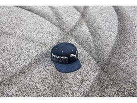 052945_01_Red Bull Racing Lifestyle Snapback Cap_Environment Shot