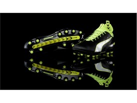 PUMA launches the new evoTOUCH boot_on Black_2