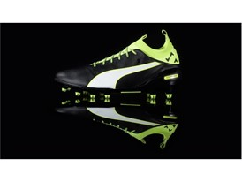PUMA launches the new evoTOUCH boot_on Black_3