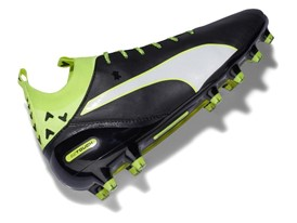PUMA launches the new evoTOUCH boot_on White_3