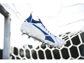 PUMA UNVEILS LATEST evoTOUCH IN STRIKING NEW COLOURWAY_Environment_3