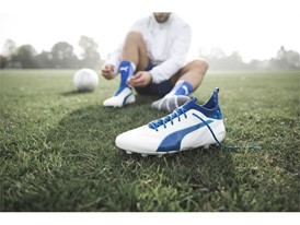 PUMA UNVEILS LATEST evoTOUCH IN STRIKING NEW COLOURWAY_Environment_9