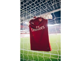 17AW_Social_TS_Football_Arsenal_Home-Kit_6