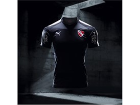 17AW_Social_IG_TS_PUMAFootball_Step-Out_xShirt-Only-CA-Independiente