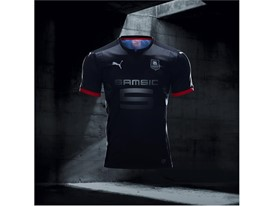 17AW_Social_IG_TS_PUMAFootball_Step-Out_xShirt-Only-Rennes