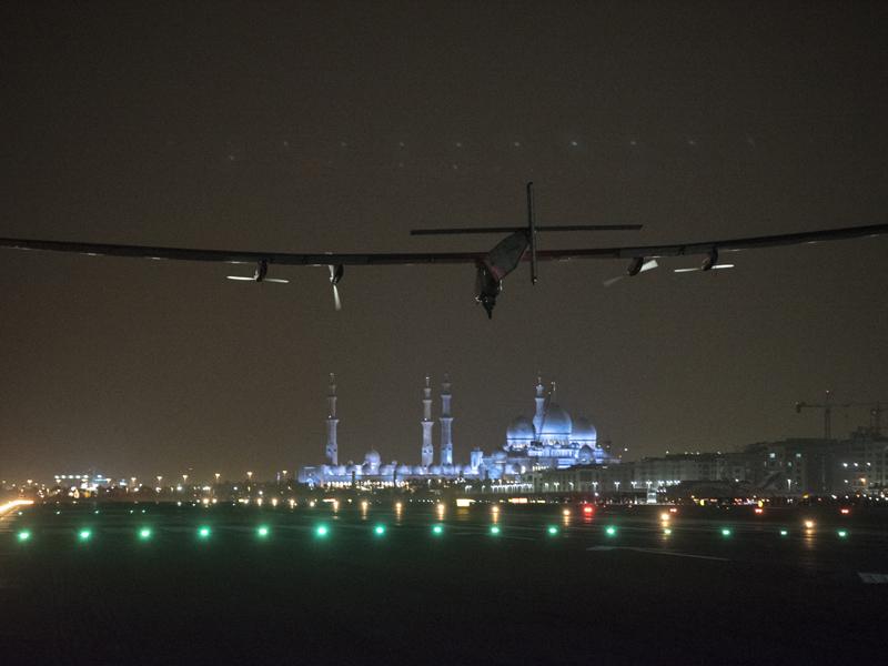 Landing in Abu Dhabi 2