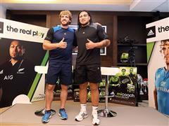 Ma'a Nonu e Mirco Bergamasco testimonial del sistema di allenamento adidas micoach