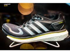 adidas BOOST™ — новая энергия бега.