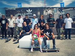El team de riders adidas Global Pro inaugura el #3stripestour sobre suelo argentino en una sesión de skate con el equipo local de adidas